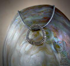 Stigma pendant necklace,sterling silver pendant de Dcastjoyas en Etsy