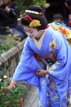 A senior maiko celebrating the Kanikakuni festival! : THE PHOTO DIARY By CANON!