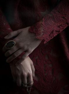 """""""Sensiz geçen zamanı belli yaşamamışım Sensizlik bir kuyuymuş onu aşamamışım …"""" Erdem Bayazıt"""