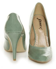 mint green pump.yes please!
