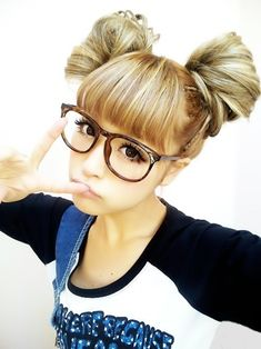 Bothers me when people say this is a 'miley cyrus hairstyle' When it's japanese and called 'Odango Buns'. Meh!