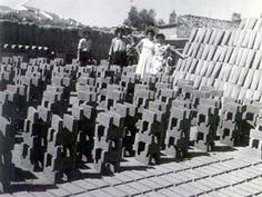 Foto antigua del mundo laboral en Granja de Torrehermosa (Badajoz).