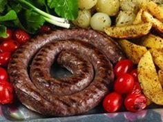 This is the best sausage I have ever had. It will make any South African Homesick instantly. I got it when I lived in South Africa for a couple of years. Homemade Sausage Recipes, Beer Recipes, Cooking Recipes, South African Dishes, South African Recipes, How To Make Sausage, Food To Make, Sausage Making, Home Made Sausage