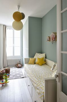 Un appartement traversant - Marion Lanoë, Lyon Kids Bedroom, Bedroom Decor, Bedroom Themes, Bedroom Styles, Bedroom Lighting, Bedroom Designs, Cute Bedroom Ideas, Kids Room Design, New Room
