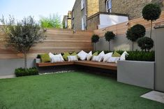 """30 Beautiful Small Garden Design For Small Backyard Ideas Patio Pin On Garden 10 Outdoor Seating Ideas To Sit Back And Relax On This Summer Garden Seating Ideas For Your … Read More """"Small Garden Seating Ideas"""" Backyard Seating, Small Backyard Landscaping, Landscaping Ideas, Backyard Ideas, Backyard Patio, Fence Ideas, Outdoor Seating, Deck Seating, Outdoor Spaces"""