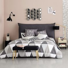 Scandinavian Bedroom Ideas Born in the coldest areas, the Scandinavian style includes pieces of furniture made of pine, serious lines and tones inspired from fjords. Dream Rooms, Dream Bedroom, Home Bedroom, Bedroom Decor, Bedroom Ideas, Bedrooms, Bedding Decor, Bedroom Wall, Master Bedroom