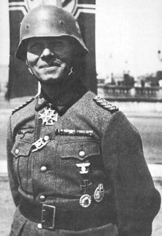 famous generals of world war 2 - erwin rommel Military Photos, Military History, World History, World War Ii, Erwin Rommel, Normandy Invasion, History Photos, German Army, Interesting History