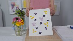 Turn Fresh Blooms into Art with DIY Pounded Flowers Fun Diy Crafts, Crafts To Make, Crafts For Kids, Flower Crafts, Diy Flowers, Montessori, Resin Jewelry Making, Diy Art Projects, Clay Projects