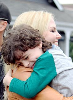 Jennifer Morrison and Raphael Alejandro hug it out on the set of Once Upon a Time. How sweet is this!