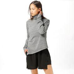 Polo genser fra Cheap Monday. Materiale: 60% Bomull, 40% Polyester. Modellen er 168 cm og avbildet i S.