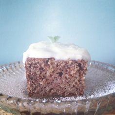 Gulerodskage med frosting Lchf, Frosting, Low Carb, Bruges, Desserts, Food, Tailgate Desserts, Flood Icing, Cake Glaze