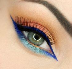 maquillage yeux bleus eye-liner en bleu avec mascara noir