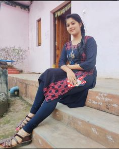 Indian Pics, Indian Pictures, Indian Girls Images, My Family Photo, Family Photos, Red Bra, Photography Poses Women, Local Girls, Girls In Leggings