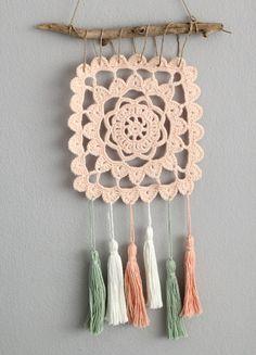 10 How To Crochet Light Heart Ideas Crochet Bunting, Love Crochet, Knit Crochet, Crochet Wall Art, Crochet Wall Hangings, Crochet Decoration, Crochet Home Decor, Crochet Stitches, Crochet Patterns