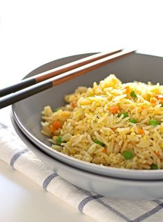 You only need 7 ingredients to make this simple vegan fried rice and it's ready in 15 or 20 minutes. Sometimes I add other veggies.