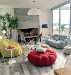 Hernan Arriaga | Home of Sofia Zamolo featuring the Bubble sofa designed by Sacha Lakic for Roche Bobois. #SachaLakic #RocheBobois #Bubblesofa #hola #sofiazamolo #hernanarriaga #interiordesign