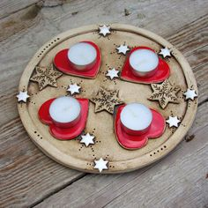 Ceramic Plates, Ceramic Pottery, Ceramic Art, Christmas Clay, Christmas Gift Tags, Paper Clay, Clay Art, Salt And Pepper Dishes, Advent Candles