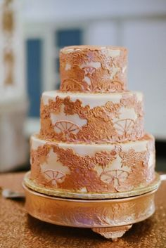 Gold and white wedding cake, Wedding by Southern Event Planners, Memphis Weddings, Photo by Josh Malahy