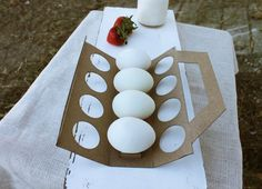 Cowberry Crossing Farm (Student Project) on Packaging of the World - Creative Package Design Gallery Packaging Nets, Egg Packaging, Smart Packaging, Food Packaging Design, Packaging Design Inspiration, Egg Logo, Vegetable Packaging, Diy Gifts, Origami