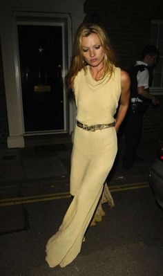 #katemoss #womenofstyle #fashion