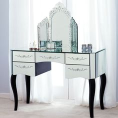 Parisian Mirrored 5 Drawer Dressing Table. £239.99