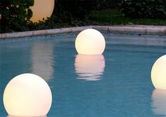 Charming Garden And Swimming Pool Lights By Slide - DigsDigs Swimming Pool Lights, My Pool, Pool Fun, Summer Pool, Party Summer, Summer Diy, Backyard Wedding Pool, Patio Wedding, Diy Wedding