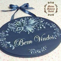 Plaquinha da linha Blaue Blume #blaueblume #plaquinha #decor #decoracaocampestre #bauernmalerei #folkart #bavarianfolkart #pintadoamao #instaart #instacolor #art #blueandwhite #azul #enviamosparatodobrasil #encomendeoseu