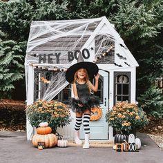 // p a r t y + d e c o r Halloween Inspo, Family Halloween Costumes, Cute Halloween, Halloween 2020, Holidays Halloween, Halloween Crafts, Halloween Decorations, Halloween Playlist, Halloween Festival