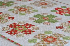 PLEASANT HOME: Christmas Baby Quilt & FREE Block Instructions