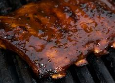 A great recipe site for US BBQ sauces, from scratch.