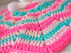 Our Bunny is here to accompany the little ones in their first steps ♥♥♥ Let's learn a little about it . What is an baby blanket? The baby blankets a Bunny Blanket, Blanket Yarn, Crochet Elephant Pattern, Crochet Patterns, Single Crochet, Crochet Baby, Crotchet, Baby Patterns, Pattern Baby