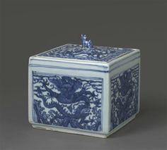 Boîte à criquet à décor de dragon et chien de Fo, règne de Wanli (1573-1620)…