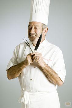 Karlos Arguiñano - cocinero vasco presentador de televisión, actor y empresario español.