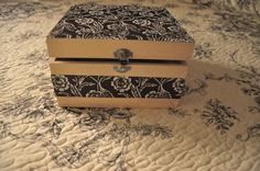 Decoupage com tecido numa caixa de madeira. https://www.facebook.com/segreto.piccolo