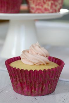 Thermomix Easy Lemon Cupcakes with Raspberry Frosting - gosh I love this recipe. #thermomix