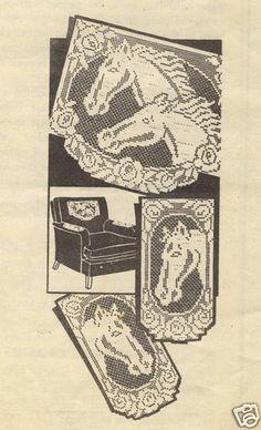 Horse pattern chair set in filet crochet Crochet Home Decor, Crochet Crafts, Crochet Tablecloth, Crochet Doilies, Alphabet Charts, Patterned Chair, Horse Pattern, Chair Covers, Filet Crochet