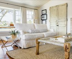 4 Talented Tips: Transitional Furniture Subway Tiles transitional lighting farmhouse sinks. Living Room Throws, Casual Living Rooms, Transitional Living Rooms, Transitional House, Transitional Bathroom, Transitional Lighting, Luxury Interior Design, Home Interior, Style At Home