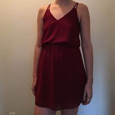 Tobi Fit and Flare Dress Cute dress that's sinched at the waist. Maroon color. Really cute belted! Only worn a few times Tobi Dresses Mini