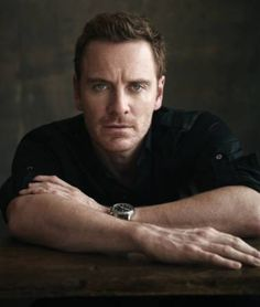 Michael Fassbender - such a handsome face, and beautiful eyes and smile :D James Mcavoy, Ryan Gosling, Jake Gyllenhaal, Hot Actors, Actors & Actresses, Handsome Actors, Handsome Guys, Gorgeous Men, Beautiful People