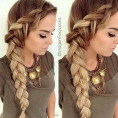 Dutch side braid on long blond hair. Braided hairstyles for long hair. Braided Hairstyles Tutorials, Pretty Hairstyles, Hairstyle Ideas, Blonde Hairstyles, Quick Hairstyles, Dutch Braided Hairstyles, Loose Braid Hairstyles, Hairstyle Braid, Loose Braids