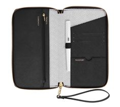 TEXTURED LEATHER TRAVEL WALLET WITH ZIP: BLACK