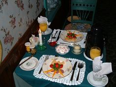 Breakfast 1st course.  Petit dejeuner-1er plat.   bbtearoom.com B & B, Table Settings, Create, Antiques, Room, Morning Breakfast, Dish, Bedroom, Antiquities