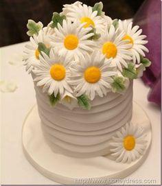 Google Image Result for http://blog.honeydress.com/wp-content/uploads/2012/07/wedding_cake_picture_db7_e.jpg