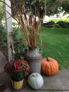 Step-by-step instructions for preserving cattails for displaying with your fall or autumn decor. Thanksgiving Decorations, Seasonal Decor, Holiday Decor, Outdoor Halloween, Fall Halloween, Crafts To Do, Fall Crafts, Milk Can Decor, Fall Harvest