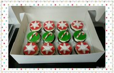 Christmas cupcakes.  Www.thepurplewhisk.co.uk