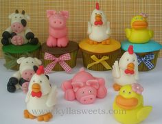 farm animals cupcakes by Kylla'sweets, via Flickr