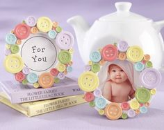 """Cute as a Button"" Round Photo Frame.darling baby shower favors, decorations, or new baby gifts Kids Crafts, Baby Crafts, Cute Crafts, Diy And Crafts, Craft Projects, Craft Ideas, Decorating Ideas, Fiesta Baby Shower, Baby Shower Favors"