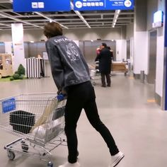 This screams BOYFRIEND!!!! Y'all we went to IKEA and i watched him make a shelf for our ROOM LMAOO I LOVE HIM!! 💖✨💖✨💖✨💖