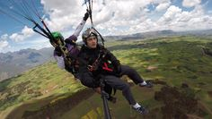 Enjoy flying the Sacred Valley of the Incas by paragliding. Cusco has a lot to offer while you're travelling to Machupicchu. Fly like the andean condor and feel the freedom in the heart of the Andes. Andean Condor, Best Seasons, Inca, Paragliding, South America, Activities, Life, Viajes, Adventure