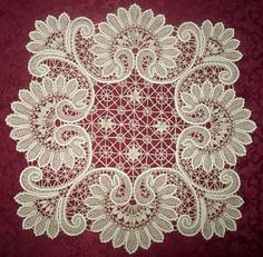 Lace dresser scarf or lamp matt. If only we could find a piece of lace like this. And it was the right size and it had a gap in the middle (for the 2 rings)! not crochet. Needle Lace, Bobbin Lace, Antique Lace, Vintage Lace, Irish Crochet, Crochet Lace, Bruges Lace, Bordados E Cia, Lace Weave